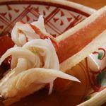 かに吉 - 料理写真:大将が鍋から上げ、殻から身を外し、お客様のお皿へお出しします