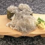 沼津魚がし鮨 流れ鮨 - 料理写真:生しらす大盛こぼし