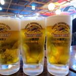 金山魚市場ぴち天 - ビールはじゃんじゃん運ばれます