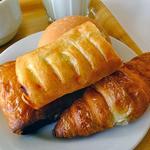 19067731 - 4種類のパン
