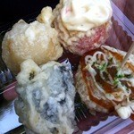 本多蒲鉾店 - 料理写真:いろいろ4点盛り