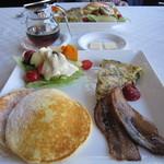 リゾートイン スクアミッシュ - 料理写真:朝食のパンケーキプレート☆
