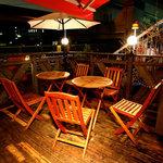 ガウチョ - 夜風が気持ちの良いテラス席は大人気(ペットOK)