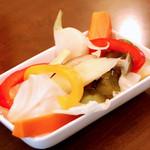 川口バル - 【ある日のおすすめ】糸島野菜のピクルス。野菜本来の味をさっぱりといただけます。