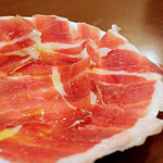 川口バル - 【ある日のおすすめ】しっとりした味わいが魅力のハモンセラーノ。
