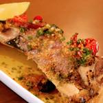 川口バル - 【ある日のおすすめ】鮪かまコンフィロースト。大皿にドカンと盛られた迫力のサイズ。ほろりと口の中でとろけます。
