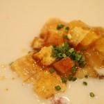 ワインバー&レストラン ブルディガラ - 前菜(仏産 アーティチョークの冷製スープ 海老のムースを浮かべて)