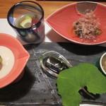 19084028 - じゅんさいの酢の物、おひたし、湯葉、ゴマ豆腐、ふぐの煮凝り
