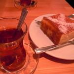 ケバブ家 KEBAB ye - レモンケーキとチャイ