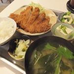 とんかつ赤煉瓦 - ロースカツ定食¥1,000