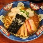 支那そば 八雲 - 201305 特製ワンタン麺(黒だし)950円