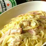 クラッシーズ - 厚切りベーコンのカルボナーラ(タマゴとチーズの濃厚パスタ)