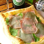 クラッシーズ - 生ハムとフレッシュトマトのピザ(人気№1ピザ!!)