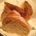 イル・ジョット - 自家製パン