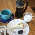 19091066 - チーズのケーキと珈琲