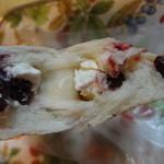 ポム・ド・パン - クランベリーとクリームチーズ
