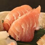 産直屋 魚渋 - マグロ脳天