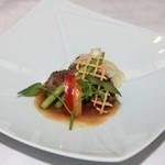 竹千代霧島 - 黒毛和牛のステーキ。肉の旨味が伝わってきます。