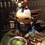 19099010 - 名物のロールキャベツなお人形!?