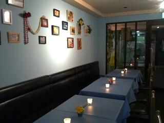 YO-HO's cafe Lanai - 店内 夜の風景