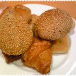 洋食屋 Bom Dia - 焼きたてパン食べ放題!!