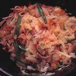 カンカン300円酒場 - 玉子とソースを混ぜて食べる石焼き風