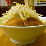 ラーメン慶次郎 - 13年3月豚そば並(横から)