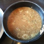 孔明 - ON野菜みそつけ麺、つけ汁
