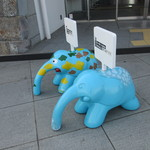 象の鼻カフェ - お店の前の象さん