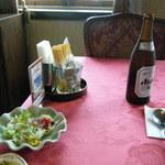 三井倶楽部 - ビールとサラダ。