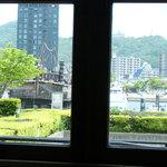 三井倶楽部 - 海が見えます。
