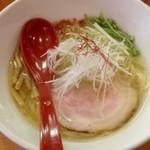 19107802 - 香彩鶏だし塩らーめん(750円)