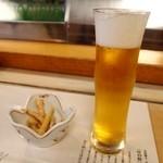 会津迎賓館 寿し万 - ドリンク写真:生ビール & 付き出し