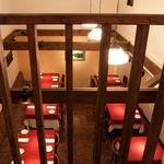 ダルセーニョ - 一階客席は上が吹き抜けになっていて、開放感のある心地よい空間を演出しています。