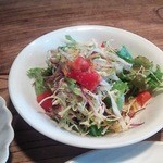 ズー - 料理写真:サラダがつきました。