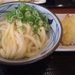 丸亀製麺 - 釜玉うどんを、