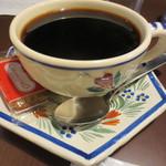 きっさこ - ビスケットが添えられた深煎り珈琲(600円)ロースト感の中に酸味もありました。