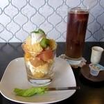 喫茶コマドリ - トロピカル☆トライフル、アイスコーヒー