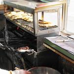 仲屋たいやき店 - 2013.5 1個ずつ焼く天然鯛焼きです