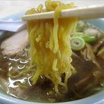 かどや食堂 - 正油ラーメンの麺