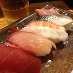 房寿司 - 6軒目 ワンコインで生小と4貫