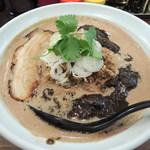 クラー軒 - チョコ担々麺(大盛) 880円