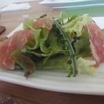 ティアツリー オーチャードカフェ - 春野菜のサラダ
