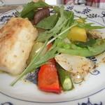 ティアツリー オーチャードカフェ - カジキマグロのアンチョビバターソーズ旬の野菜とキノコグリル