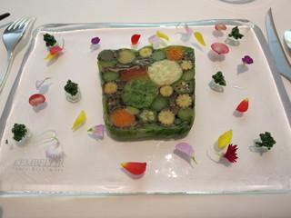 ランベリー - スペシャリテ、農園野菜のテリーヌは万華鏡的な味。