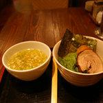 塩らー麺 本丸亭 -