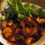 洋食台処 なまらや - 本日のランチメニュー「タラとジャガイモのトマト煮」