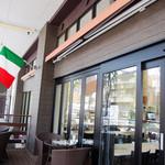 Plaza-D イタリアンレストラン - デッキのテラス席から店内を見たところ