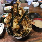 19143288 - 【ここから20130525に再訪した写真】天丼・上(あら汁と小鉢が沢山付いて1,300円)