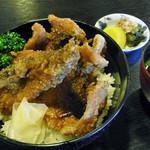 三河屋 - 料理写真:鯉丼